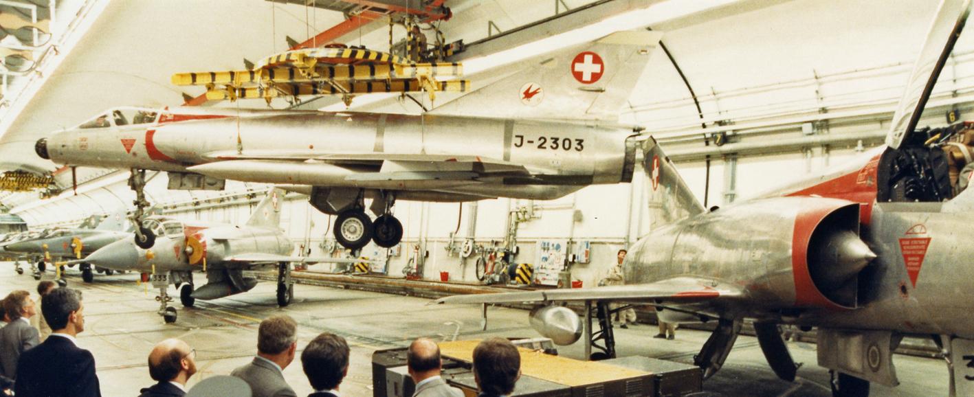 Mirage-Betrieb in einer Fliegerkaverne, 1988