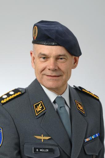 Divisionär Müller Bernhard, ab 2018